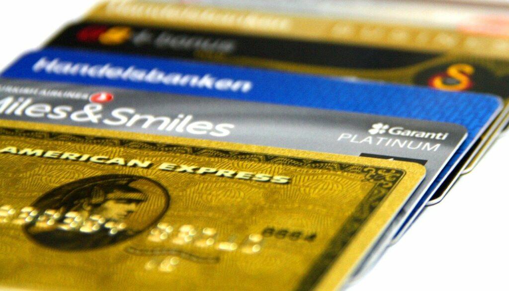 Les meilleures cartes bancaires pour voyager sans frais